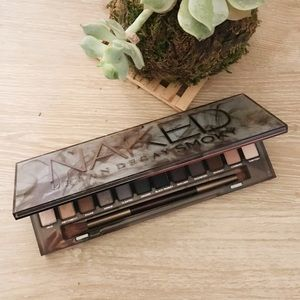Urban Decay - Naked Smokey Palette